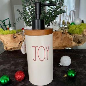 🎄Rae Dunn Christmas Liquid Soap Dispenser 'JOY'🎄